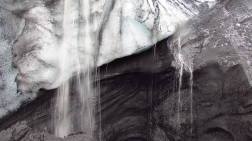 Waterfalls over ice and ash...
