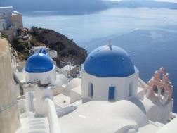 The defining Santorini pic...